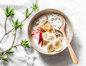 petit dejeuner avec beurre de cacahuète